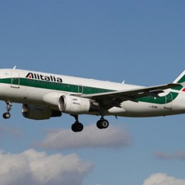 Alitalia riprende quota grazie all'intervento in extremis di Poste