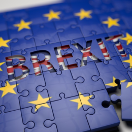 "Una ""no-deal Brexit"" rischia di causare insolvenze. +0,5% in Italia"